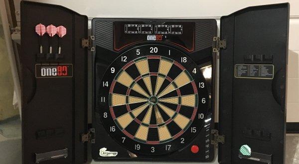 Elektroniskt dartspel